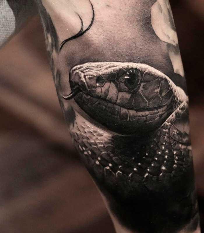 tatuajes de serpientes realistas