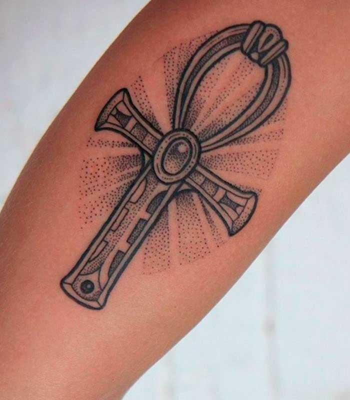 tatuaje de cruz egipcia