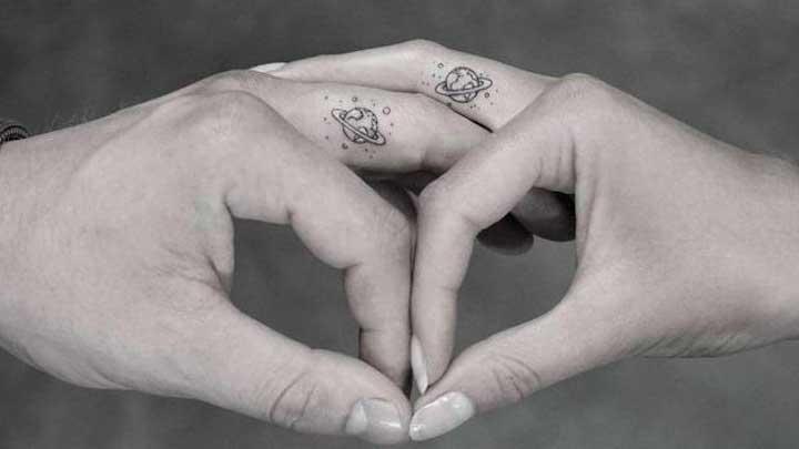 tatuajes de planetas para parejas