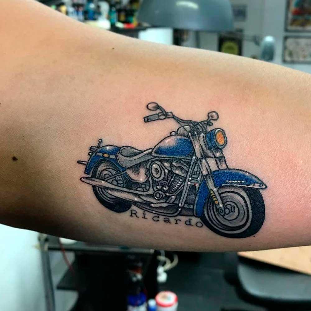 【Tatuajes de motos】 🏍 Significado y diseños originales ✅